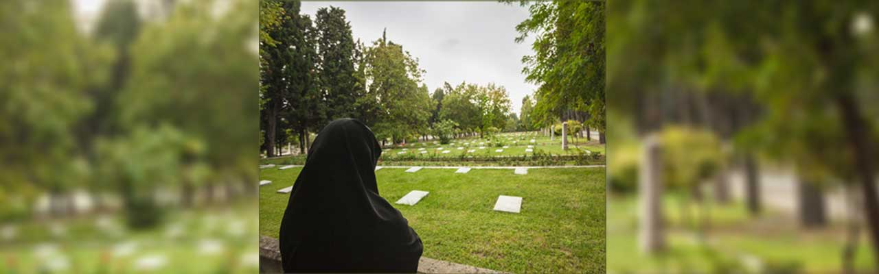 Can women visit graves in the Hanafi Madhab